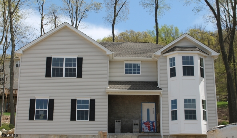 Single Family Home for Sale at 9 LOCUST Court Allamuchy, 07840 United States