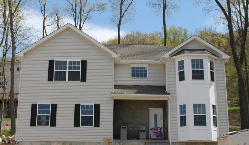 Частный односемейный дом для того Продажа на 9 LOCUST Court Allamuchy, 07840 Соединенные Штаты