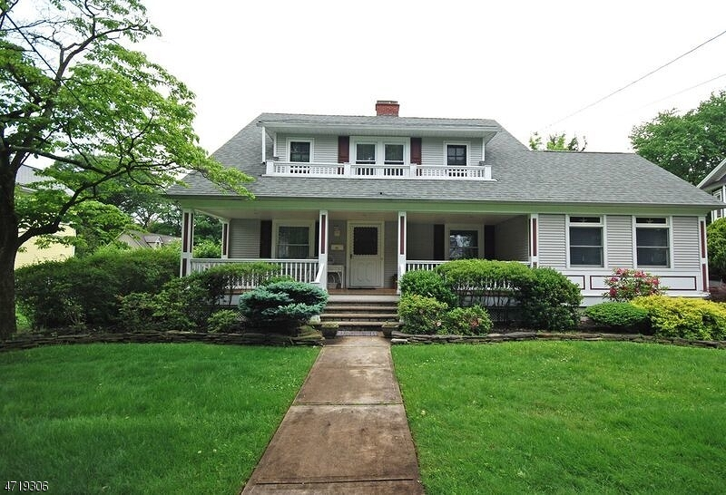 Single Family Home for Sale at 245 Beechwood Ave Middlesex, New Jersey 08846 United States