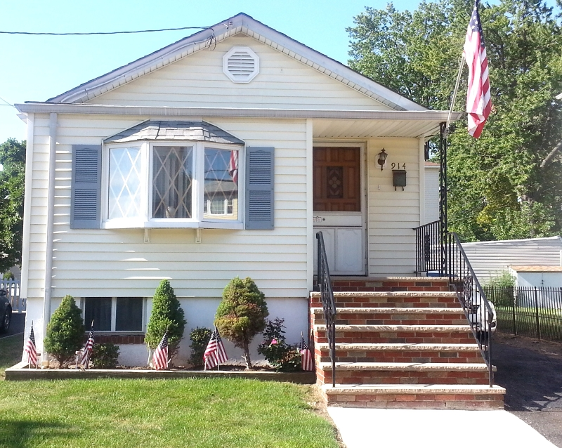 Single Family Home for Rent at 914 Bacheller Avenue Linden, New Jersey 07036 United States