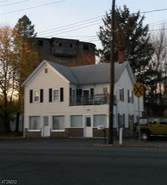 Maison unifamiliale pour l Vente à 711 ROUTE 46 Kenvil, New Jersey 07847 États-Unis