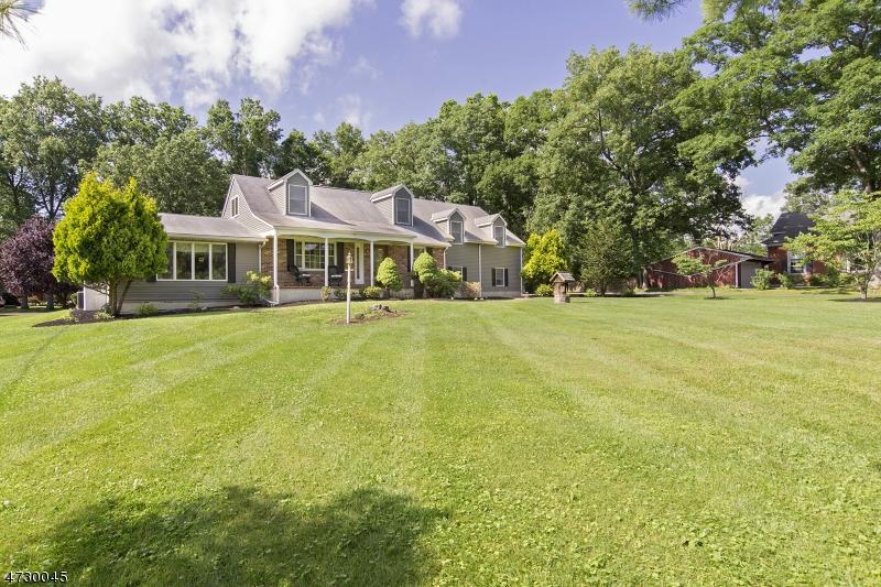 Casa Unifamiliar por un Venta en 696 Brunswick Pike West Amwell, Nueva Jersey 08530 Estados Unidos