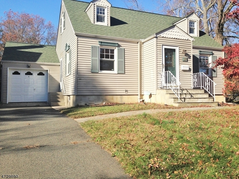 Maison unifamiliale pour l à louer à 171 N Hillside Avenue Chatham, New Jersey 07928 États-Unis