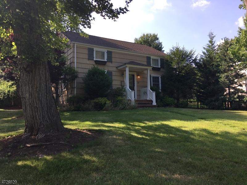 Casa Unifamiliar por un Alquiler en 141 King Street Fanwood, Nueva Jersey 07023 Estados Unidos