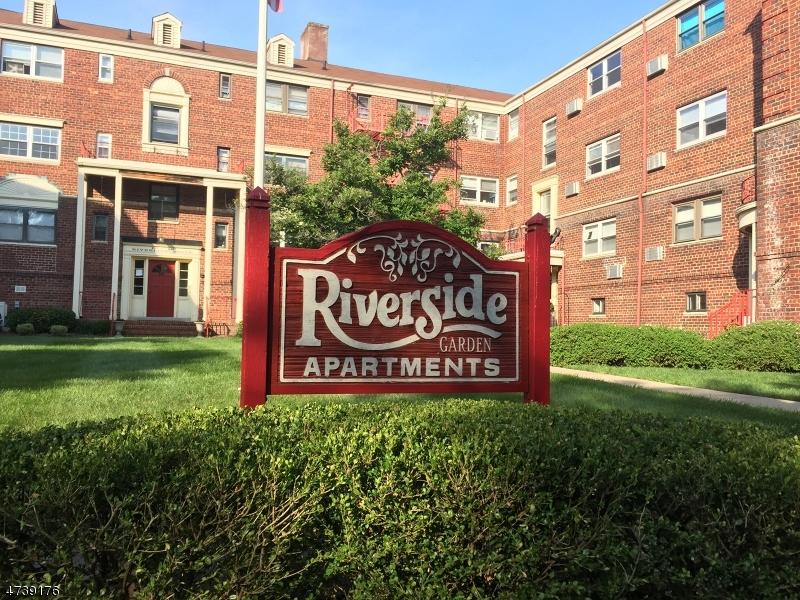 Частный односемейный дом для того Аренда на 22 Riverside Dr, APT B2 Cranford, Нью-Джерси 07016 Соединенные Штаты