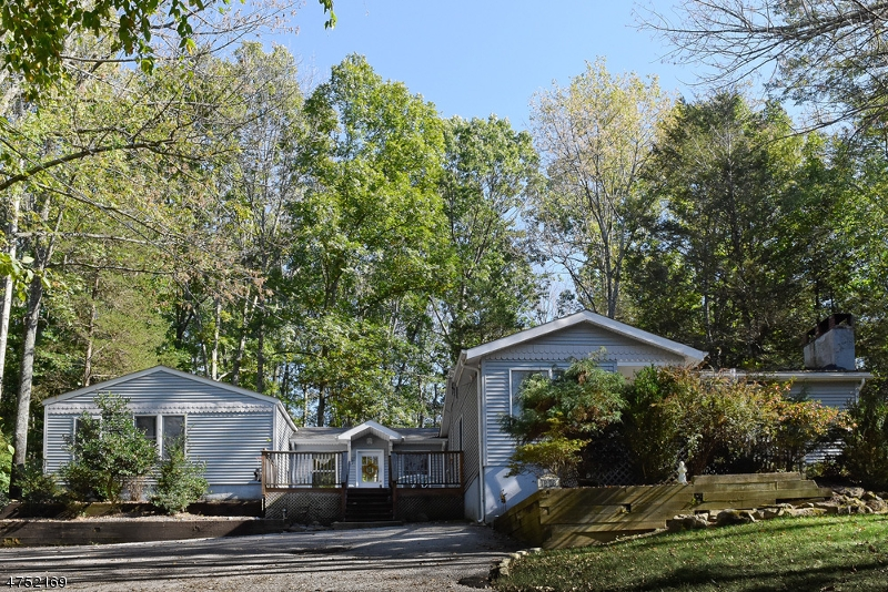 Частный односемейный дом для того Продажа на 1008 County Road 619 Stillwater, Нью-Джерси 07860 Соединенные Штаты