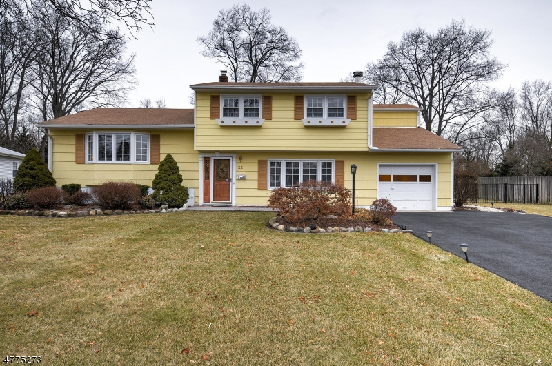 Single Family Home for Sale at 22 William Street 22 William Street Pequannock Township, New Jersey 07440 United States