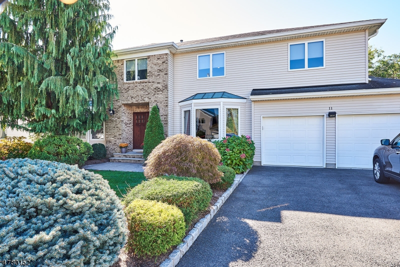 Casa Unifamiliar por un Venta en 11 Jade Meadow Drive Springfield, Nueva Jersey 07081 Estados Unidos