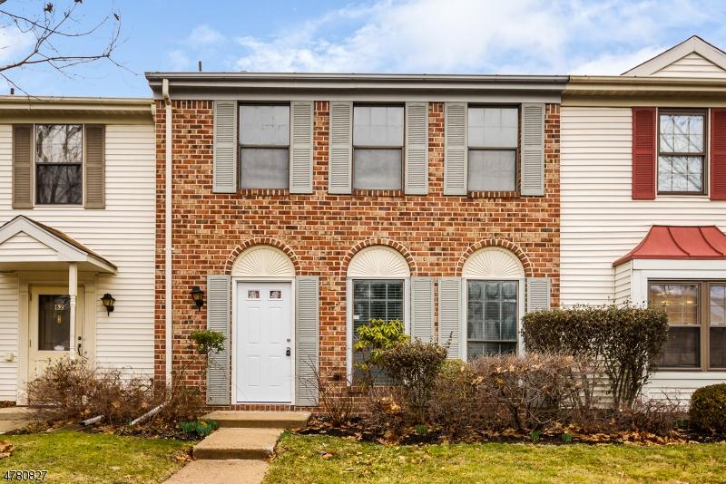 Casa Unifamiliar por un Venta en 83 Pear Tree Lane Franklin, Nueva Jersey 08823 Estados Unidos