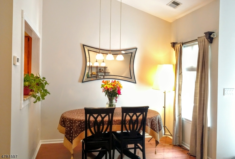 Частный односемейный дом для того Аренда на 4 Stevens Court Bedminster, Нью-Джерси 07921 Соединенные Штаты