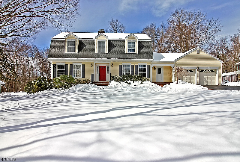 Single Family Home for Sale at 18 Indian Run Long Hill, New Jersey 07946 United States