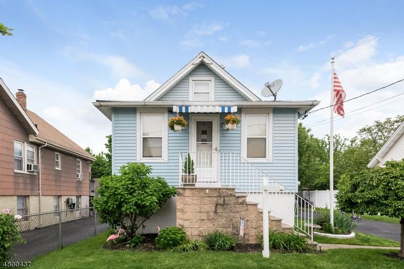 独户住宅 为 销售 在 12 Park Street Little Ferry, 新泽西州 07643 美国