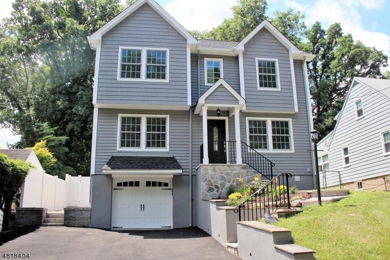 Nhà ở một gia đình vì Bán tại 163 MYRTLE Avenue Cedar Grove, New Jersey 07009 Hoa Kỳ