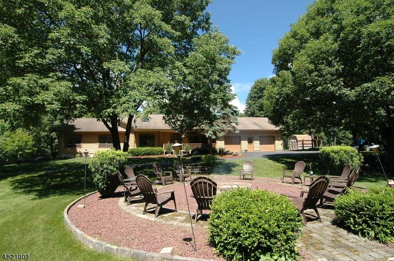 独户住宅 为 销售 在 33 OLD STAGE COACH Road Hampton, 新泽西州 07860 美国