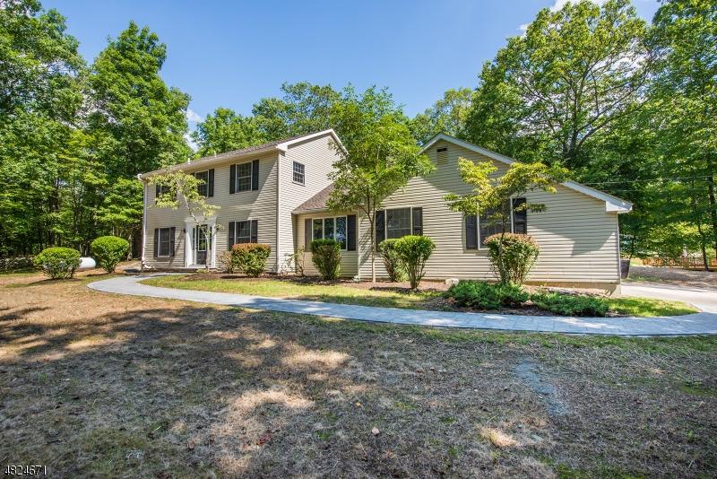 独户住宅 为 销售 在 118 PROSPECT POINT Road Jefferson Township, 新泽西州 07849 美国