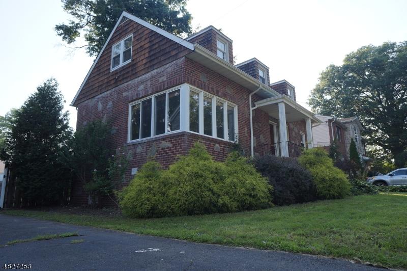 Vivienda unifamiliar por un Venta en 1116 KIPLING Road Elizabeth, Nueva Jersey 07208 Estados Unidos