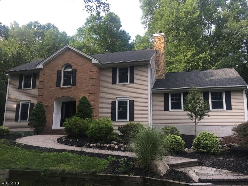 Vivienda unifamiliar por un Venta en 138 CRESCENT Place Allendale, Nueva Jersey 07401 Estados Unidos