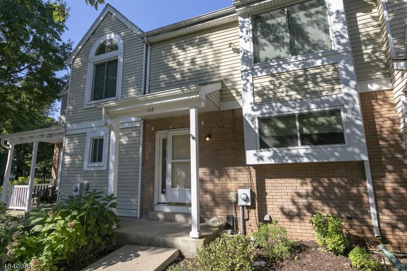 Condo / Townhouse pour l à louer à 116 LONG ACRE Court Hillsborough, New Jersey 08844 États-Unis