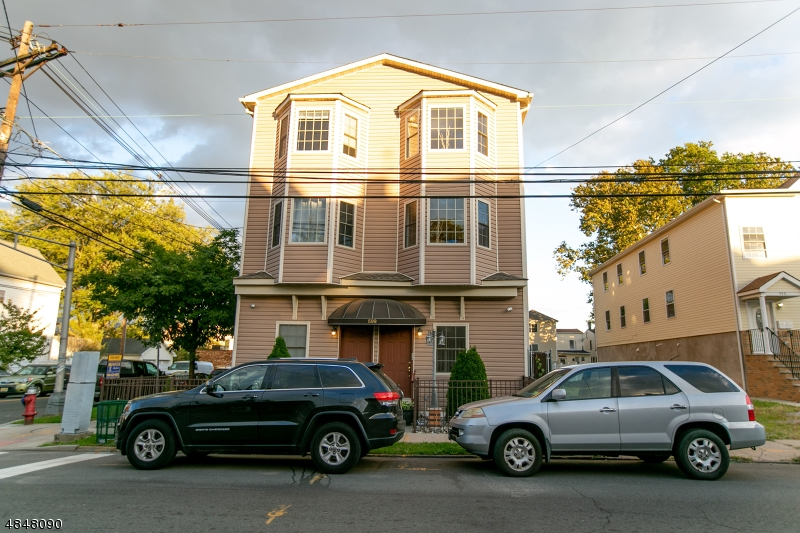 Condo / Townhouse for Sale at 599 MONROE Avenue Elizabeth, New Jersey 07201 United States