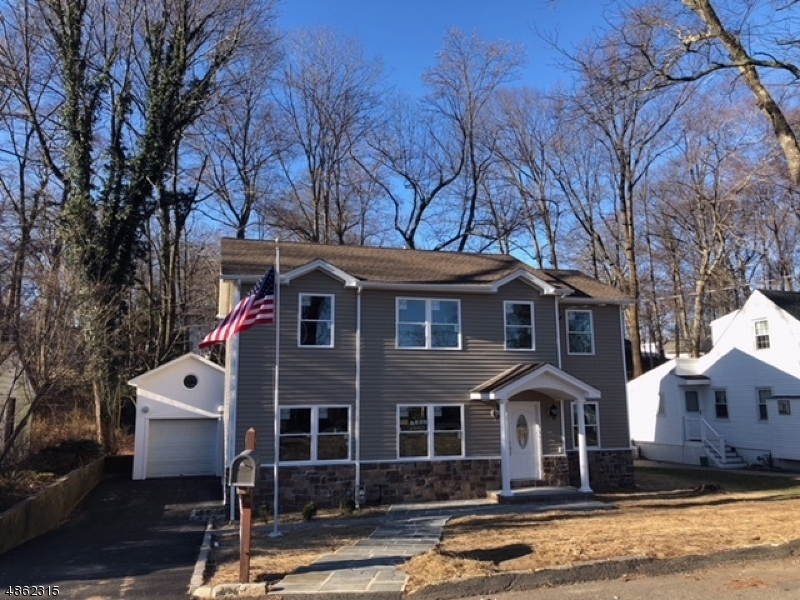 Single Family Home for Sale at 6 LAKE SHORE DR 6 LAKE SHORE DR Rockaway Township, New Jersey 07866 United States