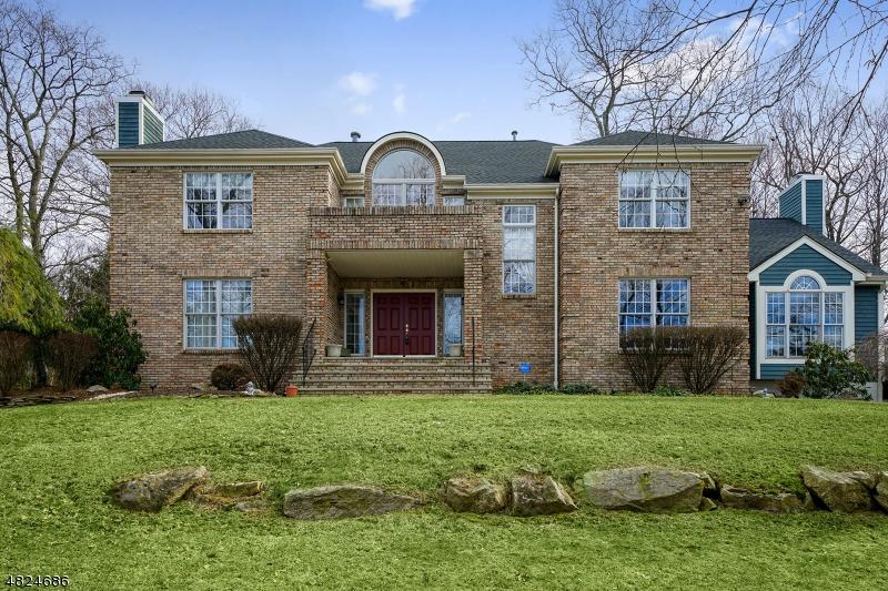 Tek Ailelik Ev için Satış at 3 WHISPERING WOODS Drive Mount Olive, New Jersey 07836 Amerika Birleşik Devletleri