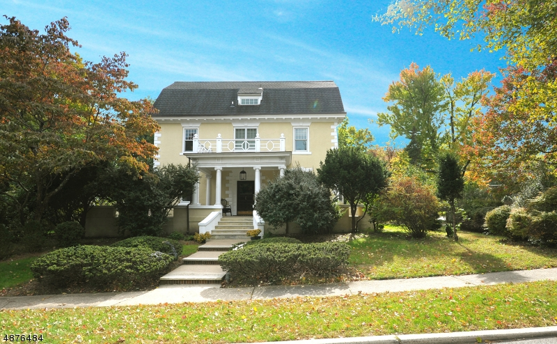 Single Family Home for Sale at 546 SUNSET AVE 546 SUNSET AVE Haworth, New Jersey 07641 United States