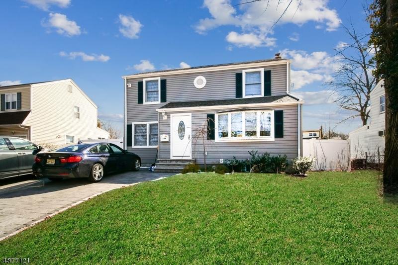 Moradia para Venda às 239 BOULEVARD Kenilworth, Nova Jersey 07033 Estados Unidos