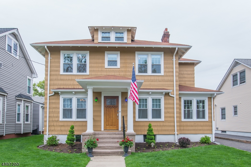 Maison unifamiliale pour l Vente à Rutherford, New Jersey 07070 États-Unis