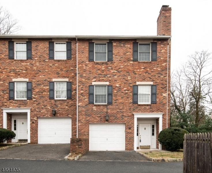 Condominio / Townhouse per Vendita alle ore Caldwell, New Jersey 07006 Stati Uniti