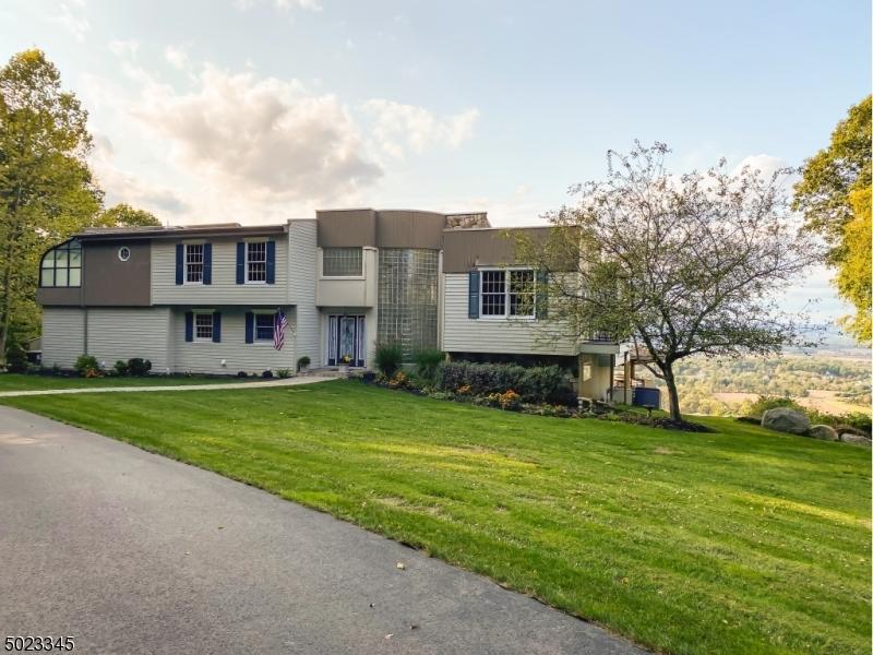 Single Family Homes для того Продажа на Bloomsbury, Нью-Джерси 08804 Соединенные Штаты