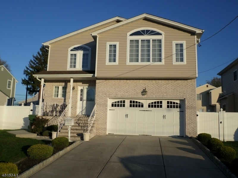 Частный односемейный дом для того Продажа на 115 Berwood Drive Linden, 07036 Соединенные Штаты
