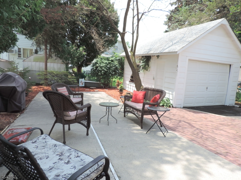 Additional photo for property listing at 49 Wharton Avenue  Nutley, Nueva Jersey 07110 Estados Unidos