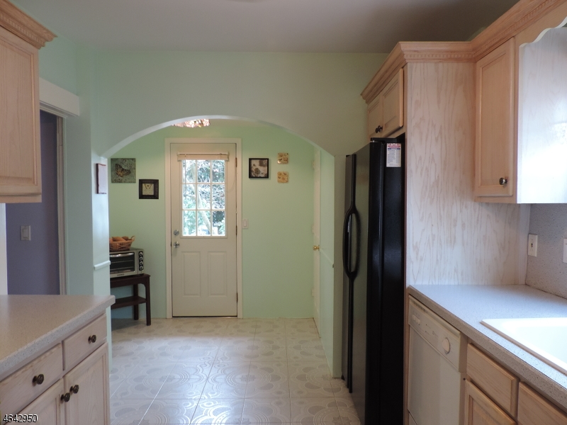 Additional photo for property listing at 49 Wharton Avenue  Nutley, New Jersey 07110 États-Unis