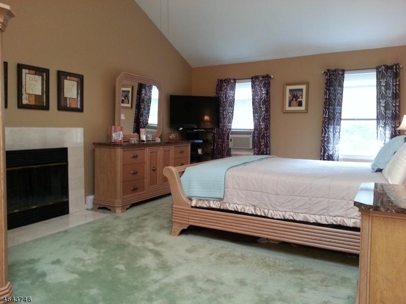Additional photo for property listing at 11 Northfield Drive  Sussex, Нью-Джерси 07461 Соединенные Штаты
