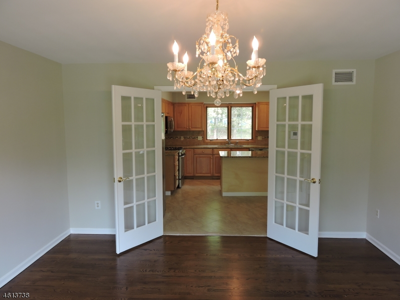 Additional photo for property listing at 2 GIBSON TERR  Bridgewater, Nueva Jersey 08807 Estados Unidos