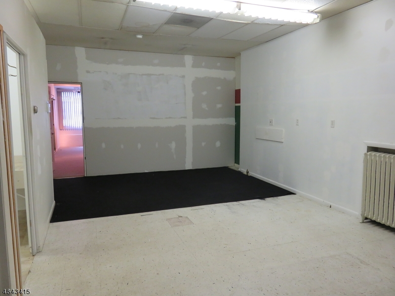 Additional photo for property listing at 50 W Main Street  Rockaway, New Jersey 07866 États-Unis