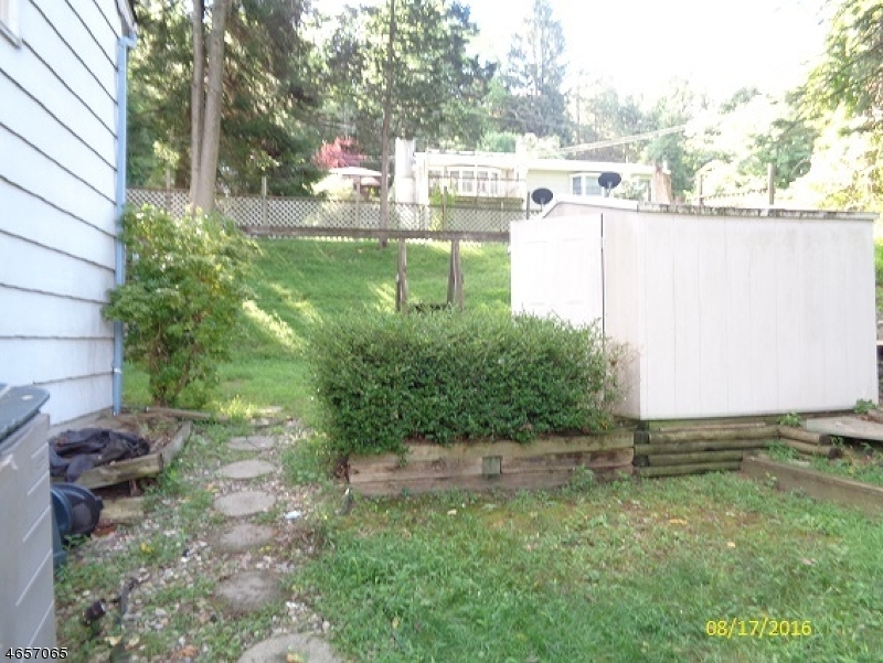Additional photo for property listing at 4 Forest Road  安德沃, 新泽西州 07821 美国
