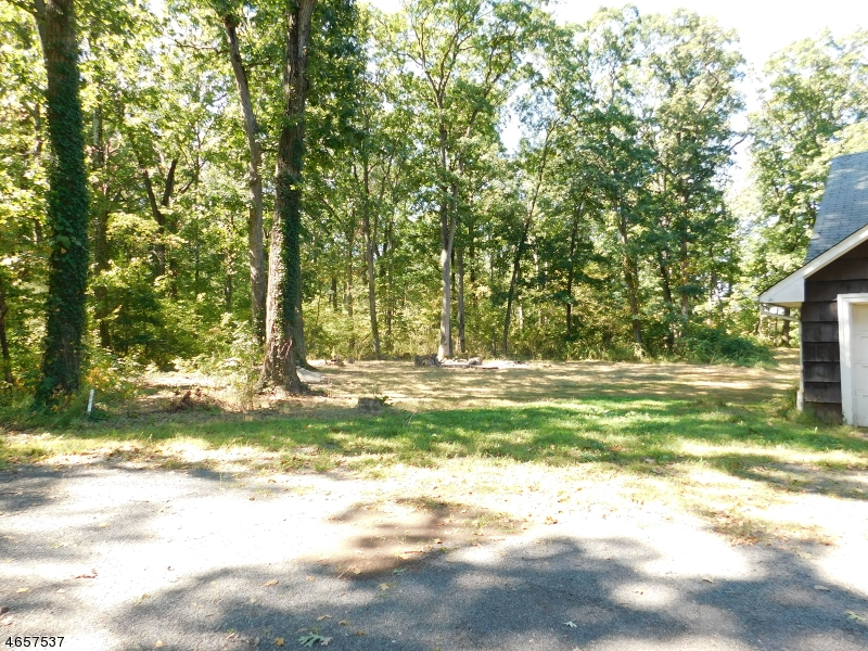 Additional photo for property listing at 55 Grouser Road  Somerset, Nueva Jersey 08873 Estados Unidos