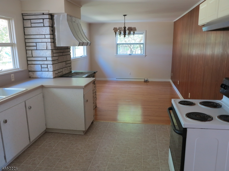 Additional photo for property listing at 161 Sparta Avenue  Newton, Nueva Jersey 07860 Estados Unidos