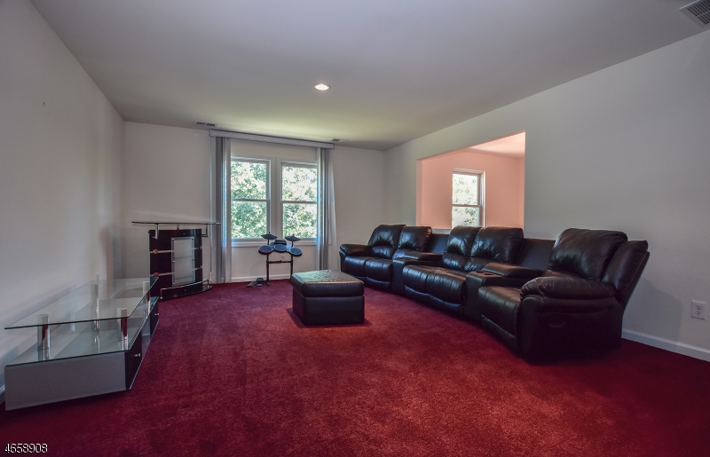 Additional photo for property listing at 7 Tudor Hill Road  Sussex, New Jersey 07461 United States
