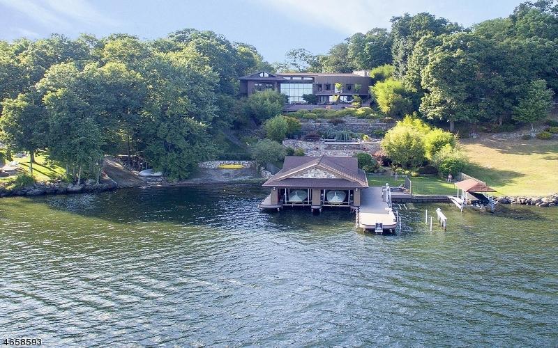 Частный односемейный дом для того Продажа на 38 Byram Bay Road Hopatcong, 07843 Соединенные Штаты