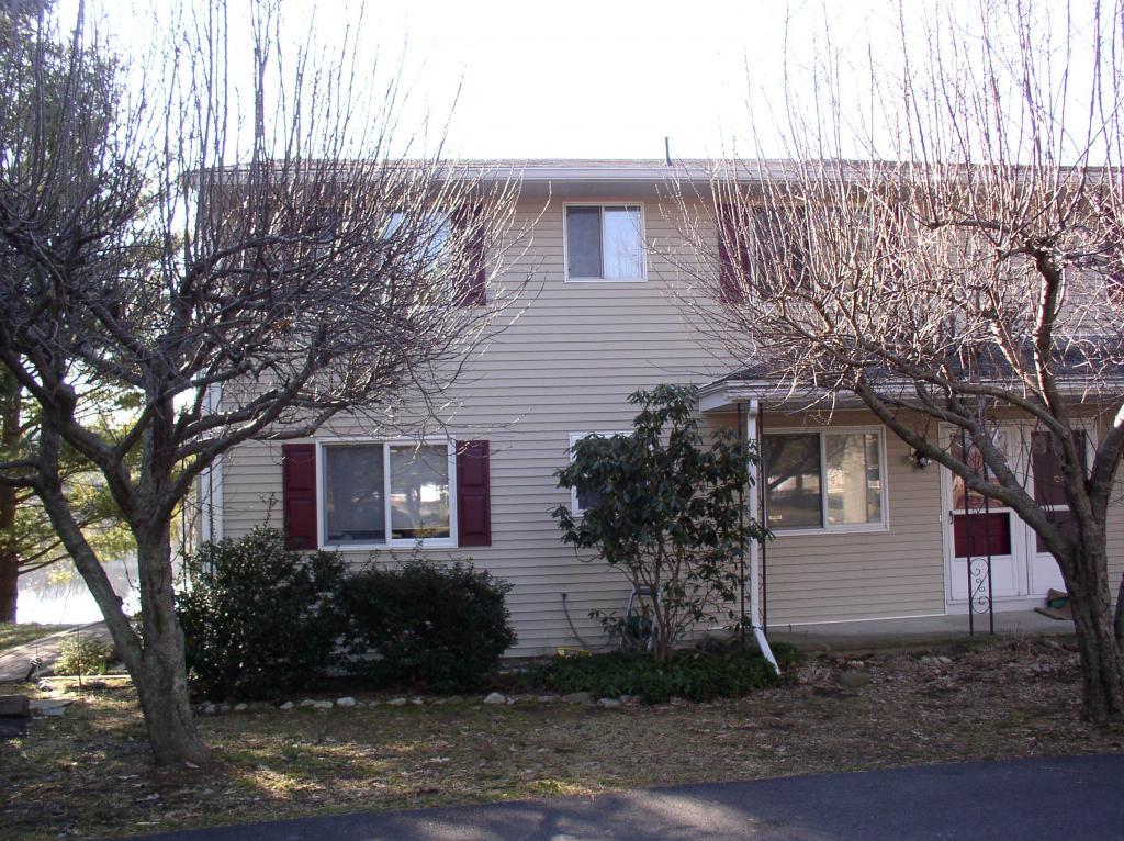 Casa Unifamiliar por un Alquiler en 404-C Lake Shore North Montague, Nueva Jersey 07827 Estados Unidos