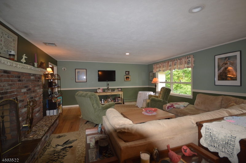 Additional photo for property listing at 19 Tennis Ter  Sparta, New Jersey 07871 États-Unis