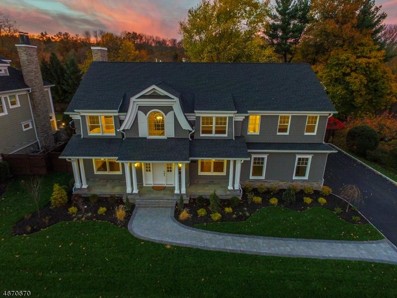 Частный односемейный дом для того Продажа на 407 QUANTUCK LANE Westfield, 07090 Соединенные Штаты