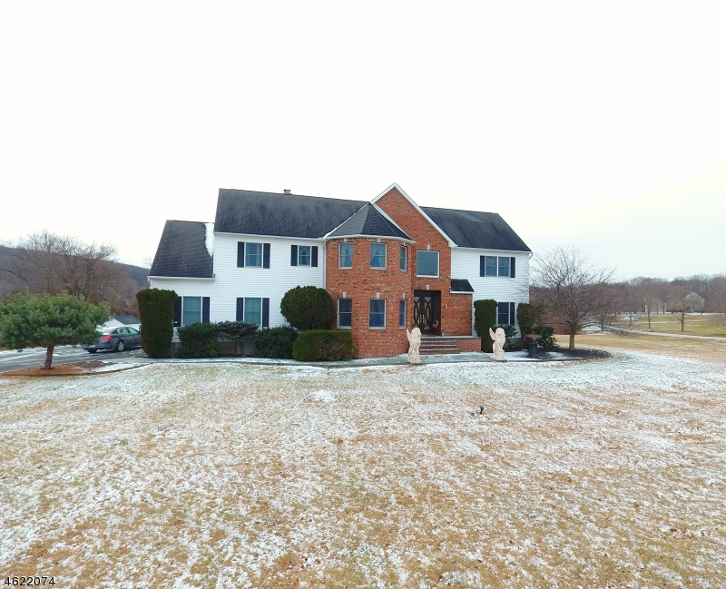Additional photo for property listing at 1 Courtney Lane  Andover, New Jersey 07821 États-Unis
