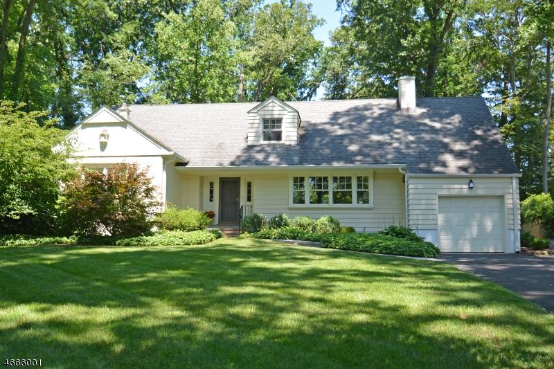 Частный односемейный дом для того Продажа на 27 Mountain Avenue New Providence, Нью-Джерси 07901 Соединенные Штаты