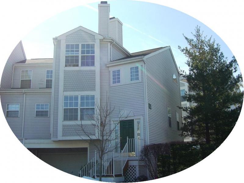 Частный односемейный дом для того Аренда на 604 COBBLESTONE WAY Whippany, Нью-Джерси 07981 Соединенные Штаты