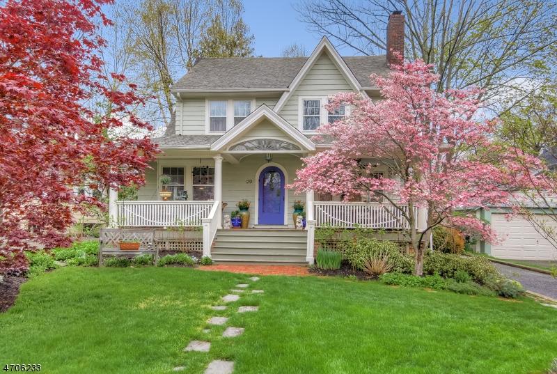 Частный односемейный дом для того Продажа на 29 Garthwaite Ter Maplewood, 07040 Соединенные Штаты