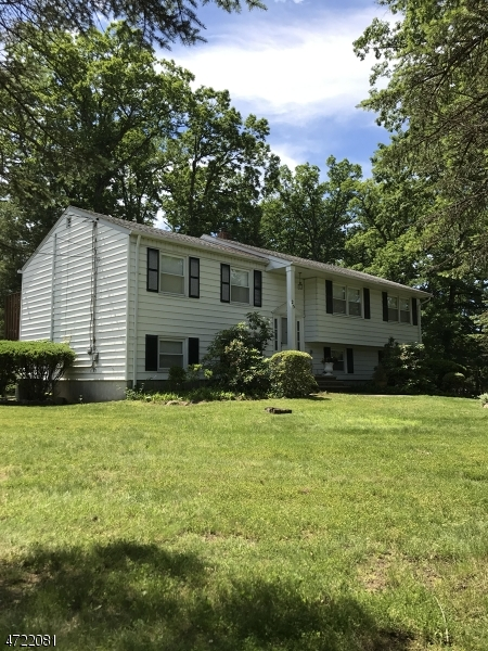Casa Unifamiliar por un Alquiler en 25 Hilldale Road Montville, Nueva Jersey 07058 Estados Unidos