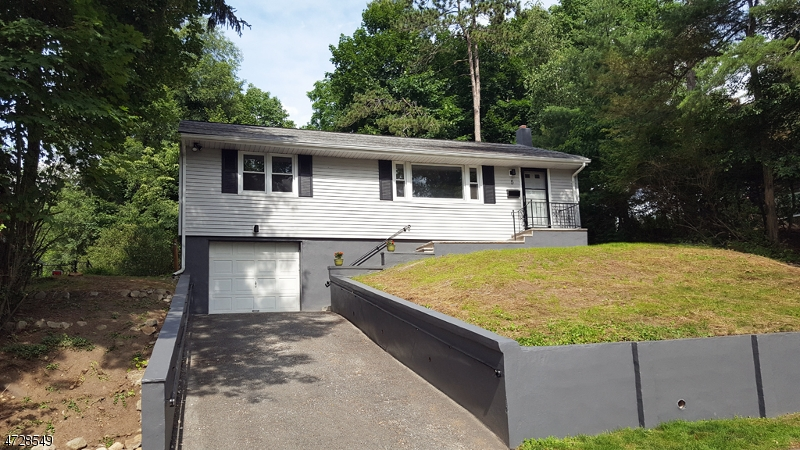 Single Family Home for Rent at 5 Arrowhead Trail Sparta, New Jersey 07871 United States